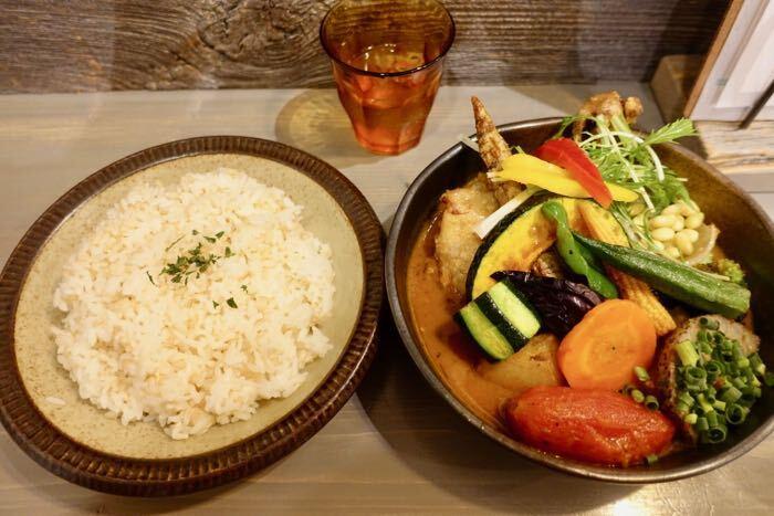 チキンと1日分の野菜20品目(1580円)