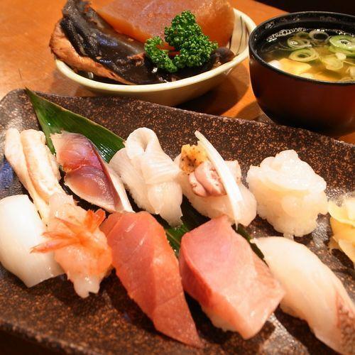 小政寿司 (コマサスシ)
