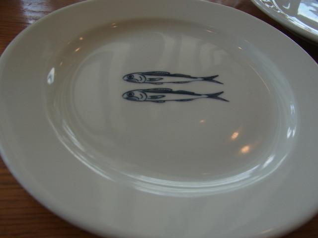 すべての講義 お魚の絵 : このお魚のお皿は二種類の絵 ...